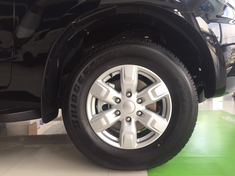 ford everest ambiente mâm đúc
