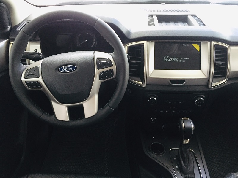 bảng giá xe ford everest trend