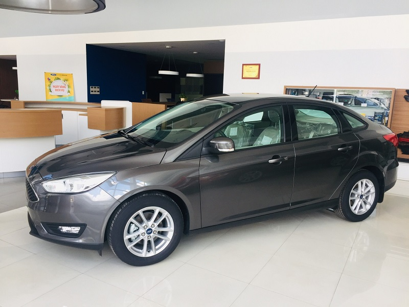 xe-ford-focus-trend-4d